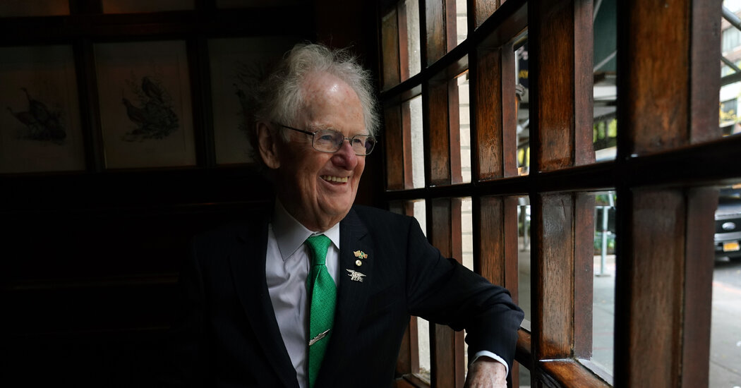 Jimmy Neary, Whose Irish Pub Became a Power Brokers' Hub, Dies at 91