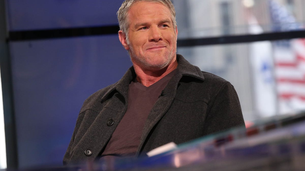 Brett Favre knew what he was getting into with $1.1M scheme, Mississippi claims