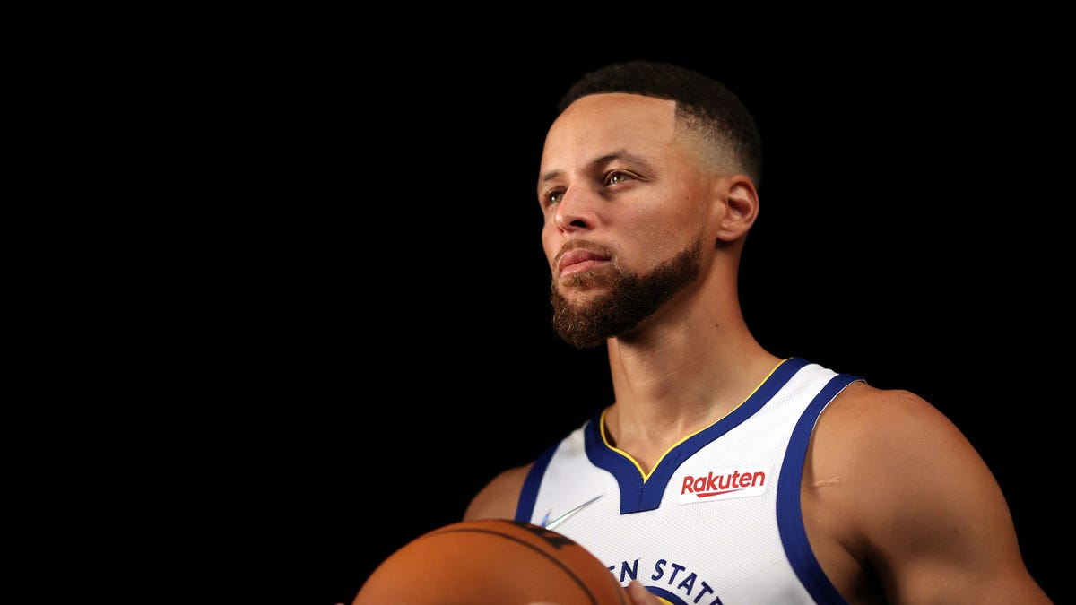 Stephen Curry and the Warriors will contend in the West, believe it or not