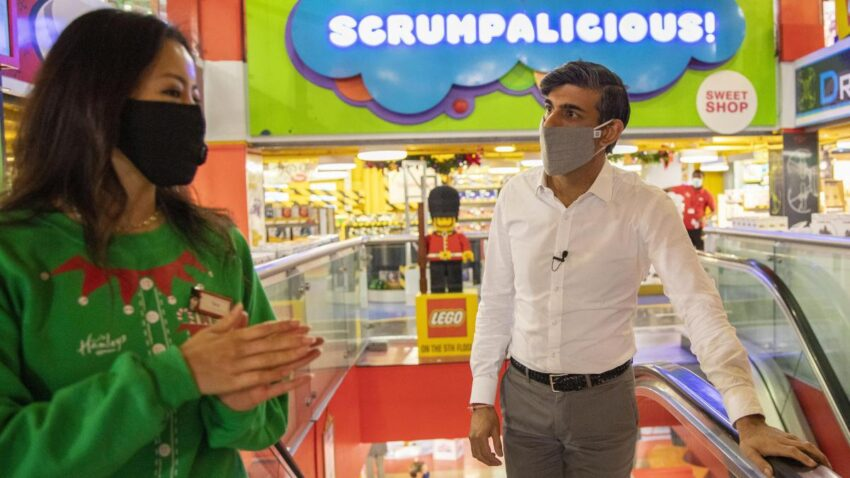 Sunak tells shoppers not to worry about Christmas