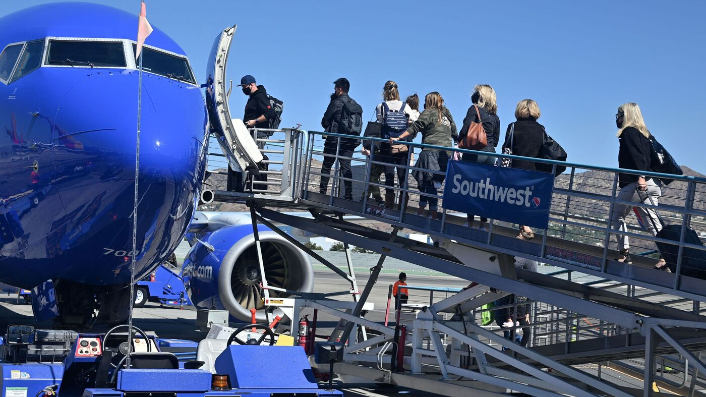 Southwest Airlines Flight Cancellations Continue On Monday : NPR