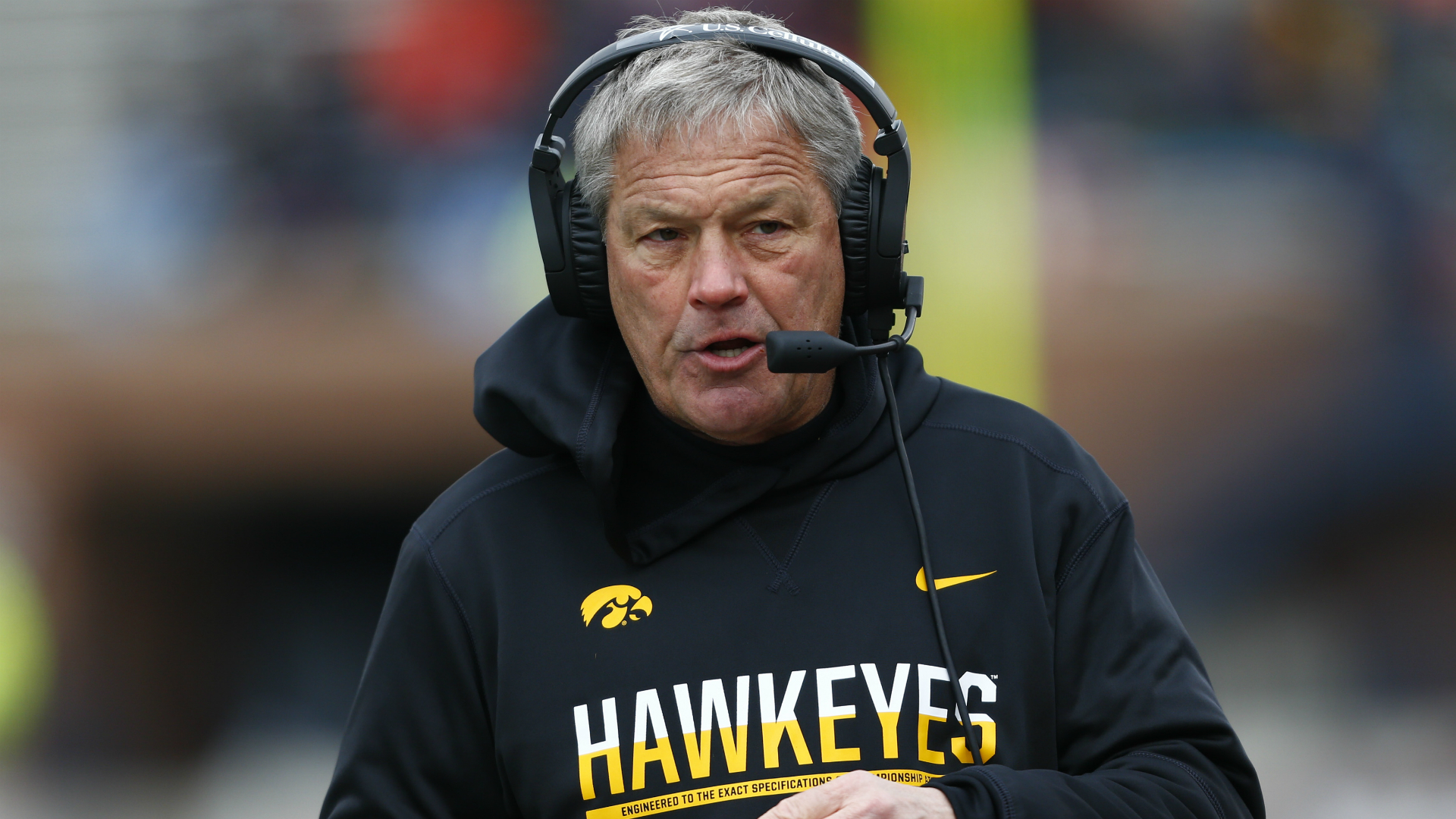 Iowa's Kirk Ferentz defends fans who booed Penn State injuries: 'Thought they smelled a rat'